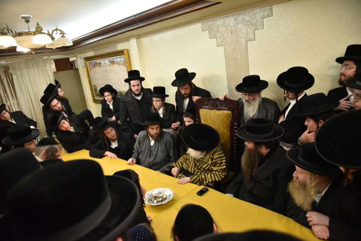 Buneinu at the Toldos Avrohom Yitzchok Rebbe, Sunday – 7th Day of Chanukah