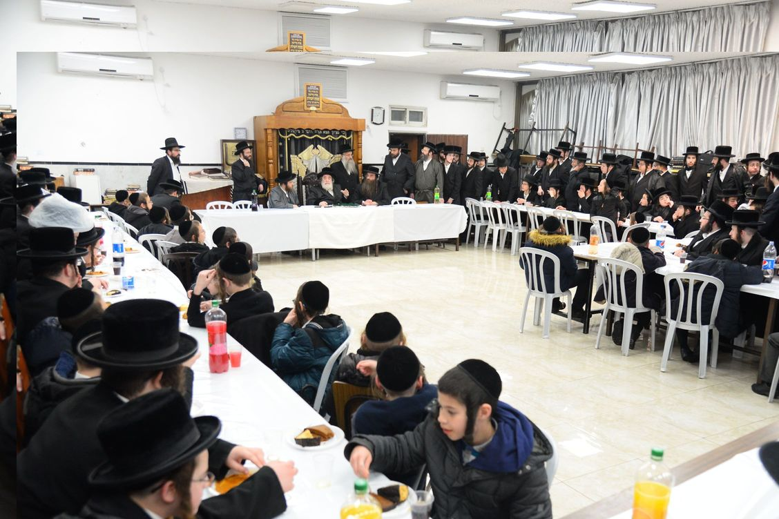 Third Night of Chanuka at the Viznitze Rebbe in Bnei Brak